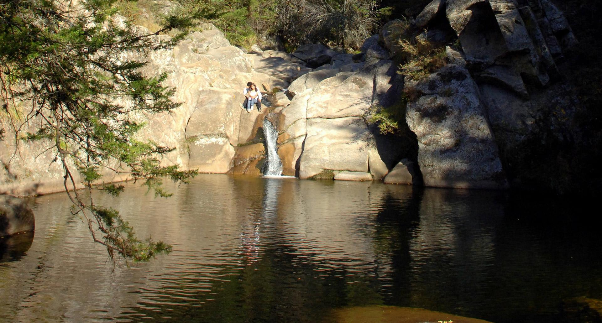 Nadar en Sus rios y ollas de aguas cristalinas.. Foto 2